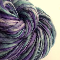 Thick and Thin yarn chunky wool lavender purple by thefibretree