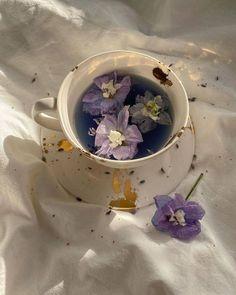 Flower Aesthetic, Purple Aesthetic, Aesthetic Food, Aesthetic Vintage, Aesthetic Photo, Aesthetic Pictures, Face Aesthetic, Lavender Aesthetic, Aesthetic Coffee