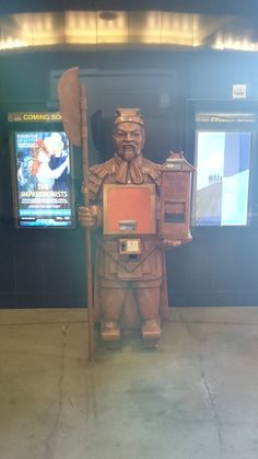 Faux terracotta warrior at TCL Chinese Theatre