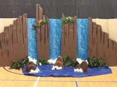 how to build a fake waterfall vbs - Yahoo Image Search Results Vbs Crafts, Fall Crafts, Diy And Crafts, Paper Crafts, Vbs Themes, Prom Themes, Off The Map, Vacation Bible School, Luau