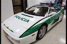 Ferrari de narcotraficante convertido en patrulla de Policia