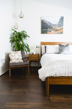 Best Images Mid century bedroom ideas #Mid Century Modern Bedroom. Mid century modern plant stand, Inspired by the this beautiful mid century style plant stand is the perfect decor piece for any room. Made from locally sourced #homedecorideas
