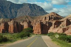 Fotos de Cafayate: Paisajes y Fotografías del norte argentino Beautiful World, Beautiful Places, Argentina Travel, South America, Monument Valley, Places To Go, Around The Worlds, Country Roads, Landscape
