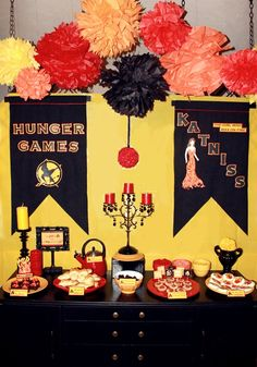 The Hunger Games Dinner Party Decor Ideas (relay games posts) Hunger Games Poster, Hunger Games Novel, Hunger Games Party, Party Games, Hunger Games Decorations, Dinner Party Decorations, 13th Birthday Parties, Birthday Party For Teens, 12th Birthday