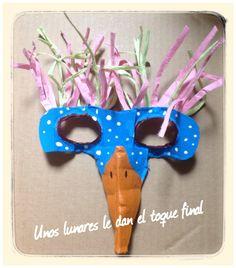 Máscara de Oajaro con hueveras