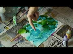 How to Make a Dot, Circles and Create Texture with Alcohol Ink on Yupo Short Demo Alcohol Ink Tiles, Alcohol Ink Crafts, Alcohol Ink Painting, Pour Painting, Canvas Painting Tutorials, Painting Videos, Learn To Paint, Watercolor And Ink, Diy Art