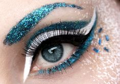 White & Turquoise Make-up