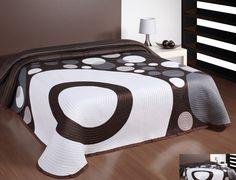 Bielo hnedý obojstranný prehoz na postele motív kruhy