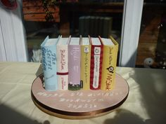 What an excellent birthday cake for a young bibliophile!