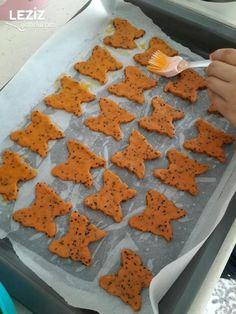 Pizza Tadında Kurabiye - Leziz Yemeklerim Bon Appetit, Gingerbread Cookies, Food And Drink, Pizza, Desserts, Gingerbread Cupcakes, Tailgate Desserts, Deserts, Postres