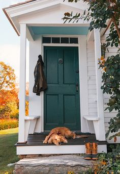 Sarah Vickers adventures in New England living, classic fashion, and travel. Organic Container Gardening, Porche, Just For Today, New England Style, My Old Kentucky Home, Classy Girl, Autumn Photography, Painted Doors, Animals Of The World