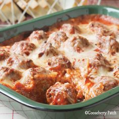 Meatball Sub Casserole 1 loaf Italian bread, cut into thick slices pkg. cream cheese, softened c. mayonnaise 1 t. Italian seasoning t. pepper 2 c. frozen meatballs, thawed jar pasta sauce 1 c. Think Food, I Love Food, Good Food, Yummy Food, Italian Recipes, Beef Recipes, Cooking Recipes, Recipies, Meatball Recipes