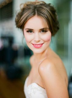 Soft classic Bridal makeup is timeless, therefore unregrettable! #weddingmakeuplooks