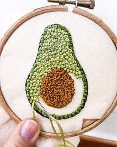 252 Likes, 0 Comments – Crochet, sewing, embroidery ( … - Stickerei Ideen Embroidery Stitches Tutorial, Flower Embroidery Designs, Creative Embroidery, Simple Embroidery, Hand Embroidery Stitches, Modern Embroidery, Embroidery Hoop Art, Crewel Embroidery, Embroidery Patterns Free