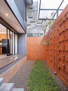 Imagen 5 de 31 de la galería de Istakagrha / RAW Architecture. Fotografía de Ifran Nurdin