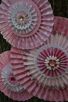 Vintage Princess Paper Rosettes, Set of 3 To Order: www. Vintage Princess Paper Rosettes, Set of 3 To Order: www. Diy Paper, Paper Art, Paper Crafts, Diy Crafts, Handmade Flowers, Diy Flowers, Paper Flowers, Paper Decorations, Christmas Decorations