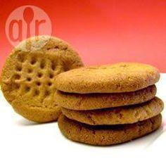 Recipe Print Flourless Peanut Butter Cookies recipe - All recipes UK Peanut Butter Cookies Allrecipes, Flourless Peanut Butter Cookies, Peanut Butter Desserts, Honey Cookies, Fodmap Recipes, Fodmap Foods, Gluten Free Sweets, How To Eat Better, Biscuit Cookies