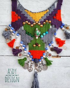 Nazo Jewelry Design Course: How to Make Kilim Woven Necklace Pin Weaving, Tablet Weaving, Fiber Art Jewelry, Jewelry Art, Collar Tribal, Burlap Flowers, Egyptian Jewelry, Weaving Projects, Fabric Jewelry