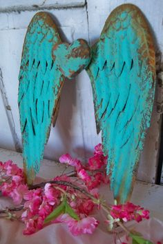 Turquoise wings