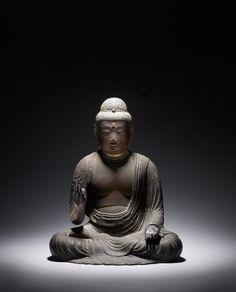 Bei Gregg Baker Asian Art: Amida Buddha aus der Fujiwara Periode Japans, (898-1184), aus geschnitztem Holz (Courtesy TEFAF)