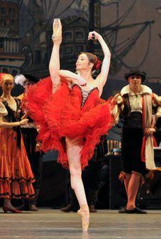 "Mariinsky Ballet, ""Don Quixote"" Evgenia Obraztsova and Alexei Timofeyev as Kitri and Basil. Photo by Dave Morgan Ballet Images, Ballet Photos, Ballet Pictures, Bolshoi Ballet, Ballet Dancers, Ballet Art, Ballet Performances, Robin, Russian Ballet"