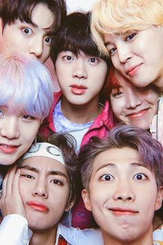 """Read from the story """"THE WEIRD GIRL"""" [BTS]✓✓ by YanZel_ (YANZEL ^^) with reads. Bts Bangtan Boy, Bts Taehyung, Bts Jungkook, Bts Group Picture, Bts Group Photos, Foto Bts, Kpop, Foto Rap Monster Bts, Bts Concept Photo"""