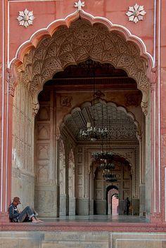 Badshahi Mosque, Lahore by Naeem Rashid, via Flickr
