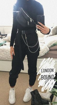 Trying to find more info on sneakers? Then click right here for more information - Mode Frauen Edgy Outfits, Mode Outfits, Grunge Outfits, Girl Outfits, Fashion Outfits, Sneakers Fashion, Fashion Ideas, Grunge Fashion, Fashion Fashion
