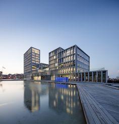 Mode im Pool - Bürogebäude von C.F. Møller in Aarhus