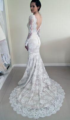 Simple Mermaid V-back Long Sleeves Lace Wedding Dress