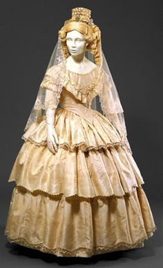 Wedding dress ca. 1850  From theMuseu Nacional do Traje e da Moda