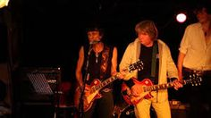 Live gig at the Troubadour basement. No Bob Dylan but they still get some good musicians. Photo curated (not by me)