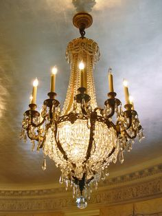 "gorgeous! ~ blog called ""The Chandelier Assault"" with hundreds of pics of chandeliers to pin"