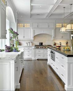 30 Simple and Elegant Kitchen Design Inspiration - Page 5 of 63 Diy Kitchen Cabinets, Kitchen Cabinet Design, Kitchen Redo, Home Decor Kitchen, Kitchen Styling, Kitchen Interior, Home Kitchens, Dream Kitchens, Kitchen Remodeling