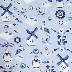 Popeline de coton bleue motif folklore. Ce tissu coton aux motifs enfantins sera parfait pour réaliser des vêtements, des accessoires... Motifs, Folklore, Parfait, Clock, Kids Rugs, Wall, Home Decor, Sewing, Blue