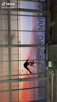 Ballet Dance Videos, Dance Tips, Dance Choreography Videos, Dance Photos, Dance Pictures, Contemporary Dance Videos, Flexibility Dance, Acro Dance, Dance Technique