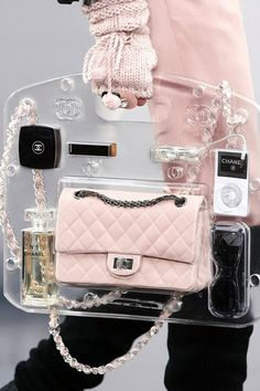 f669e863ec3 The Clear Chanel Accessory Coco Chanel, Herenrugzak, Haute Couture,  Portemonnees En Handtassen,
