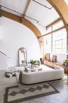 Sally Breer – Interior Designer and Co-Owner of ETCETERA with her team and her Fiance Dan Medina at work and at home in Los Angeles « the selby Interior Architecture, Interior And Exterior, Casa Loft, Interiors Online, Piece A Vivre, My New Room, Apartment Design, Modern House Design, Scandinavian Style
