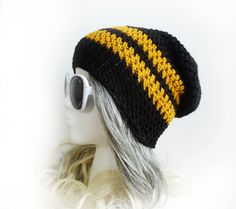 I need to take up crocheting again. Crochet Slouchy Beanie 7462799d5