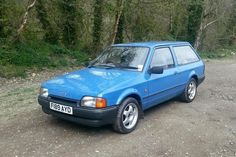 1988 Ford Escort Mk IV ,had one of these in white !!...and it belonged to a decorator b4...lots of spilt paint inside !!