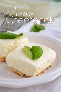 Low Carb Recipes An easy and delicious no bake recipe for Low Carb Lemon Cheesecake made with a simple almond crust. - An easy and delicious no bake recipe for Low Carb Lemon Cheesecake made with a simple almond crust. Low Carb Cheesecake, Lemon Cheesecake, Cheesecake Recipes, Cheesecake Bars, Low Carb Paleo, Low Carb Recipes, Baking Recipes, Coconut Dessert, Bon Dessert