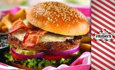 6.000 Ft helyett 2.950 Ft: Amerikai hamburgerek, BBQ grillételek, steakek – à la carte ételfogyasztás két főnek a T.G.I. Friday's Westendben