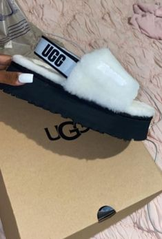 Shoes Heels Boots, Heeled Boots, Shoes Sandals, Cute Slides, Ugg Slippers, Hype Shoes, Cute Sandals, Best Sneakers, Shoe Game