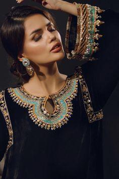 Pakistani Fashion Party Wear, Pakistani Wedding Outfits, Indian Bridal Outfits, Wedding Hijab, Fancy Dress Design, Stylish Dress Designs, Stylish Dresses, Simple Pakistani Dresses, Pakistani Dress Design