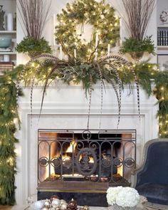 13 Gorgeous Christmas Mantle Ideas | Clipboards