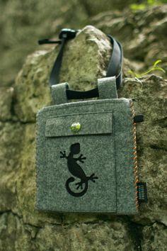 Fresh&New, chalkbag with zip and extra smartfon pocket.