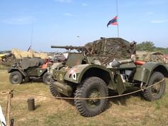 Daimler heavy and Dingo @ war and peace revival