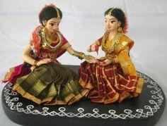 Bride mehendi Paper Quilling Tutorial, Wedding Doll, Indian Dolls, Girls Together, Malu, Diy Arts And Crafts, Ladies Day, Wedding Events, Wedding Ideas