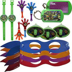 The Teenage Mutant Ninja Turtles Mega Mix Value Pack includes amazing TMNT themed favors like dog tags, hand clappers, mini tops, watch puzzles and masks.