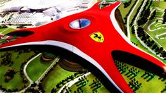 Iván de Pineda viajó a la ciudad del futuro, el lugar en donde todo es monumental, moderno y electrónico: Abu Dhabi, la capital de los Emiratos Árabes. Allí el conductor visitó el parque de diversiones Ferrari, único en el mundo. ¡No te lo pierdas!